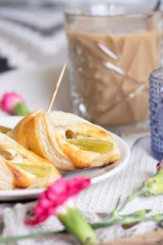 Helpot raparperiviinerit Camembert Cheese, Pineapple, Dairy, Fruit, Food, Pine Apple, Essen, Meals, Yemek