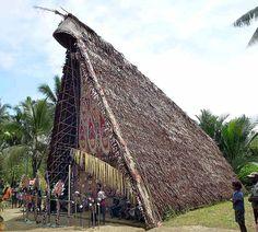 Haus Tambaran Papua New Guinea