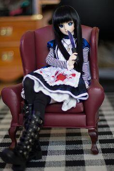 Alice Madness alice.  Dollfie dream Beatrice