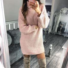 Awww quoi de plus joli et confo qu'une robe en tricot  #lookdujour #ldj #knit #dress #knitwear #style #fallfashion #pink #outfitideas #outfitinspo #inspiration #regram  @mademoisellechic.fr