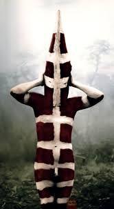 Resultado de imagen para selknam máscaras colores Australian Aboriginals, Melbourne Museum, Haunted Woods, Warrior Pose, Art Costume, Costumes, Tribal People, Extraordinary People, Tribal Art