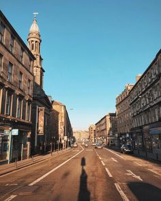 C'monBoard #Travel features the best #travel destinations and deals. Keep an eye on our website for new adventures . . It's an absolute SCORCHER* in edinburgh today! Sun's out, taps aff, and a cycle around the city. Think I'll post a story of this. *max 2 degrees... ❄️️ #edinburgh #igersedinburgh . . credit: @wilde_oates