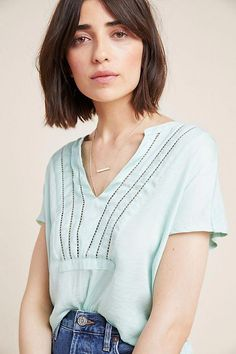 Smooth Subtle Fade - 30 Short Ombre Hair Options for Your Cropped Locks in 2019 - The Trending Hairstyle Short Choppy Hair, Pixie Cut With Bangs, Asymmetrical Bob Haircuts, Short Dark Hair, Short Hair Styles, Line Bob Haircut, Bob Haircut With Bangs, Bob Hairstyles For Fine Hair, Curled Hairstyles