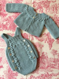 Diy Crafts - Crochet ideas that love Baby Knitting Patterns, Knitting For Kids, Baby Patterns, Free Knitting, Knitted Baby Clothes, Knitted Romper, Tricot Baby, Baby Overalls, Baby Cardigan