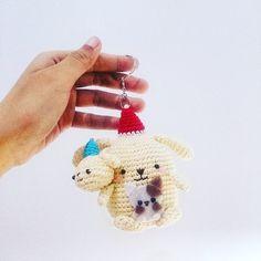 Purin hold his   #amigurumi #crochet #handmade #balloon #purin #sanrio #bonekarajut #surabaya #souvenir #keychain by marvels.co