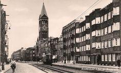 Admiraal de Ruyterweg Amsterdam  met tram  Dit is mijn geboorteplek  jaren zestig , de tram mijn huidige werkplek......