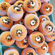 """"""\""""Eye"""" so need a bath! Our monster mash bath bombs will definitely help bring some fall relax. 🍂🛁💣 #sunbasilgarden #sunbasilsoap"""" Birthday Favors, Unicorn Birthday Parties, Halloween Bath Bombs, Funny Thanksgiving Shirts, Natural Bath Bombs, Halloween Party Favors, Fall Gifts, Monster Mash, Orange And Purple""236|236|?|en|2|1d6b3dfa5f49c05ff1ead136d7df8188|False|UNLIKELY|0.3291393220424652