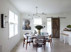 Designer James Huniford transforms a 1910 farmhouse into a contemporary home that's at once intimate and inviting.