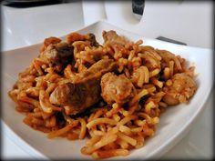 La cocina de Vifran: Fideos con costilla y longaniza Pasta Recipes, Shrimp, Food And Drink, Meat, Chicken, One Pot Dinners, Sweet And Saltines, Sweet Recipes, Rice