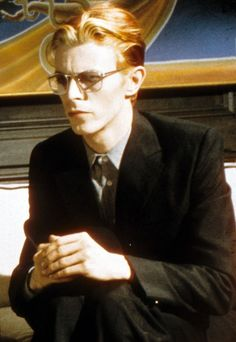 Thomas Newton (David Bowie). The Thin White Duke, Music Icon, David Bowie, Bowie Starman, Ziggy Stardust, David Jones, The Beatles, Rock N Roll, Music Land