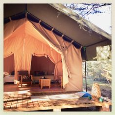 Safari tent lodge at Domaine de la Vitarelle, sleep up to 6 people, kitchen, private bathroom. let's sleep under the stars in the south of France!