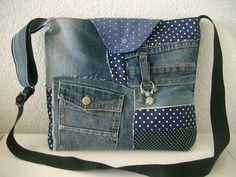 Patchwork Umhängetasche  Jeanstasche mit Punkten von Nähwittchen auf DaWanda.com
