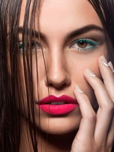 pink lips - nude nails #makeup #nails