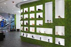 Agencement végétal, végétaux stabilisés, mur végétal, mousse stabilisée, Boutique. Réalisation Adventive. Interior plant Designer