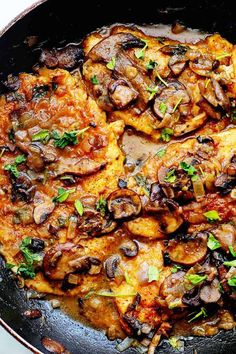 Looking for healthy chicken recipes? Try this Healthy Chicken Marsala. This deliciously satisfying skinny chicken marsala from SkinnyTaste is lightened up on fat but definitely not flavor! Pollo Masala, Healthy Chicken Recipes, Cooking Recipes, Chicken Salads, Light Chicken Recipes, Chicken Sauce, Veal Recipes, Chicken Masala, Keto Chicken