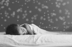Merry Christmas: Enjoy a FREE Snowflake Bokeh Brush for Photoshop and Photoshop Elements