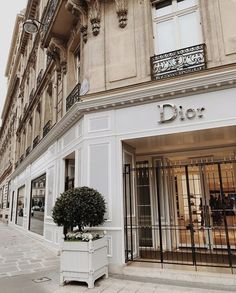 Boujee Aesthetic Discover 24 Best Paris images in 2020 Boujee Aesthetic, Brown Aesthetic, Aesthetic Vintage, Aesthetic Pictures, Aesthetic Stores, Architecture Old, Residential Architecture, Architecture Drawings, Luxury Store