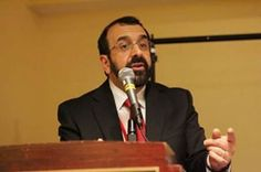 At the National Prayer Breakfast, President Obama engaged in some moral equivalence recently, saying that both Islam and Christianity have had their share of bad apples…and good apples too. Responding point-by-point to the speech, author Robert Spencer joins Jerry Newcombe on Vocal Point. Robert Spencer is a bestselling author on Islam and runs the website jihadwatch.org.  Listen Online: GraceNetRadio.com  #Islam #Christianity