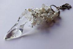 """-Chaveiro Sapatinhos cinderela - Sapatinho de """"cristal"""" - Pedras imitando Cristais - Pedras Peroladas"""