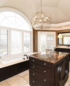 Now that's what I call a dream bathroom Lake View, Amazing Bathrooms, Bedding, Kitchen, Elegant, Home Decor, Classy, Cooking, Chic