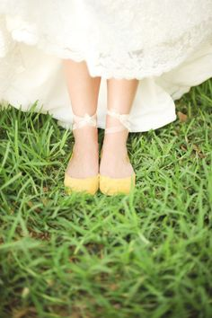 Gorgeous bright yellow ballet #flats for the #bride. These are so cute!