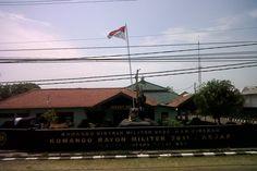Koramil 2011/ Asjap Jalan Raya Cirebon-Tegal, Kecamatan Astanajapura, Kabupaten Cirebon, Jawa Barat, Indonesia. photo cp 20 Juli 2014