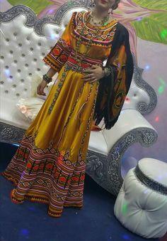 Robe Kabyle moderne                                                                                                                                                                                 Plus Folk Fashion, Ethnic Fashion, African Fashion, Vintage Fashion, Afghani Clothes, Morrocan Dress, Look 2017, Arabic Dress, Afghan Dresses