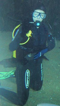 Scuba diving ladies in pantyhose