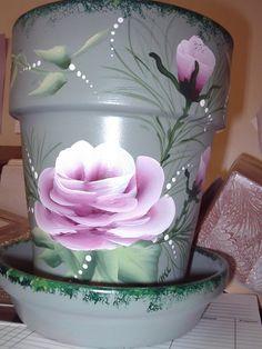 clay pots, painted clay pots, clay pot painted with roses.