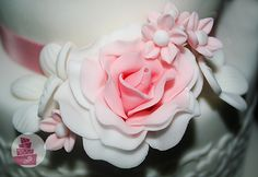 Wedding Cakes, Rose, Flowers, Plants, Pink, Wedding Pie Table, Roses, Cake Wedding, Wedding Cake