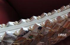 """Sac """"bijoux"""" en papier recyclé et perles.Création et réalisation LIANE"""