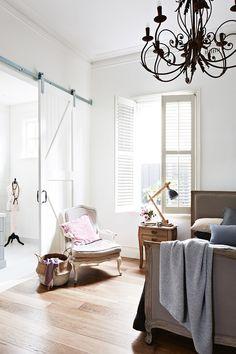 pretty bedroom // love the barn door
