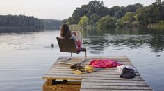 That is how relaxing looks like: Maarten Van Seeveren's .06 Chair and the Woolblanket designed by Alexander Girard. And of course the Lake of Como.