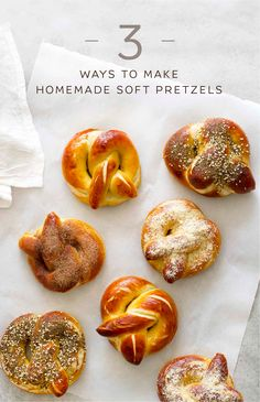 Homemade Soft Pretzels, Three Ways Homemade soft pretzels topped three ways: with cinnamon sugar, garlic Parmesan or za'atar sesame seasonings. The perfect snack or game day food! Fingers Food, Bread Recipes, Cooking Recipes, Skillet Recipes, Cooking Tools, Homemade Soft Pretzels, Good Food, Yummy Food, Tasty