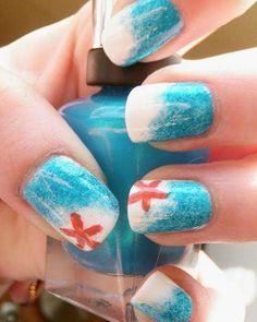 Extreme fashionable blue and white based nail art fashion