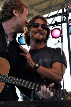 Glen Hansard and Eddie Vedder Music Is My Escape, Music Is Life, My Music, Ed Vedder, Glen Hansard, Jeff Ament, Matt Cameron, You Rock My World, Pearl Jam Eddie Vedder