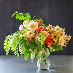 These flower arrangements are stunning! We love floral decor here at FurnishMyWay. It makes any room happier, more colorful, & flowers just smell so good!