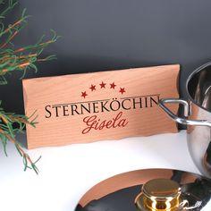 https://www.geschenke-online.de/holzschild-sternekoechin-mit-wunschname