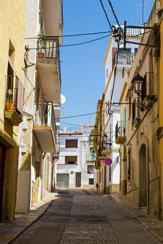 Torredembarra, Spain #summer #lonelystreets #bluesky Gaia, Summer Street, Urban, Travel, Magic City, Street, Cities, Summer Time, Viajes