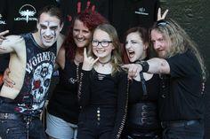 Die Formation Eigensinn posiert fürs Foto mit einem jungen Fan. (Foto: Björn Othlinghaus). Auch am Samstag, dem dritten und letzten Veranstaltungstag, wurden die diesmal ein wenig zahlreicher ersch…