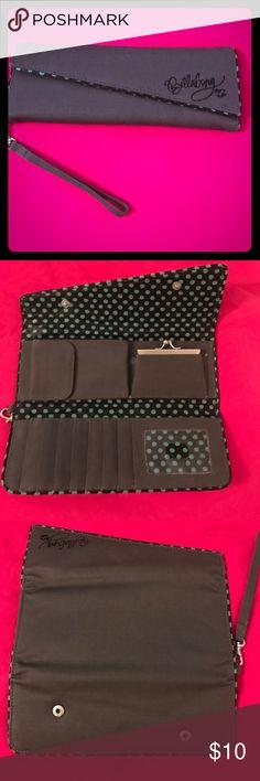 Billabong wallet 🏄🏽♀️ Grey Billabong wallet. Great condition! Billabong Bags Wallets
