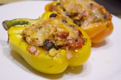 southwestern chicken quinoa stuffed peppers