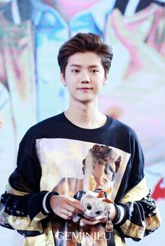 Luhan like a puppy, cute