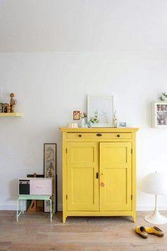 #tendencia pintar mueble de amarillo