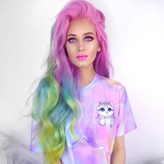 I love this beautiful lady such an inspiration, I wish my hair didn't fade all the time! Hers is flawless 🌈all the amazing mermaid vibes ✨💜🌸🔱 Cute Hair Colors, Hair Dye Colors, Cool Hair Color, Hair Colour, Fox Hair Dye, Dyed Hair, College Hairstyles, Best Hair Dye, Multicolored Hair