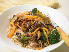 Beef and Broccoli with Brown Rice - substitute rice with cauliflower rice