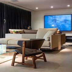 Sapão armchair by @atelierfernandomendes featured in a @marcosbertoldi_arq project. The armchair is also on display at ESPASSO NY.  #atelierfernandomendes #designbrasileiro #braziliandesign #interiordesign #ESPASSONY