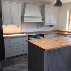 Victorian Kitchen, Shaker Kitchen, Ideas Para, Kitchen Ideas, Kitchen Cabinets, Home Decor, Decoration Home, Room Decor, Cabinets