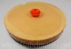 Pues ya tengo el postre para mañana. Tarta de kakis. Te atreves????? Tienes esta estupenda receta en mi blog. www.isabelmoro.com.