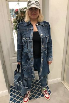 Hipster Grunge, Grunge Style, Diy Clothes Refashion, Denim Handbags, Patchwork Jeans, Recycled Denim, Ripped Denim, Vintage Denim, Denim Fashion